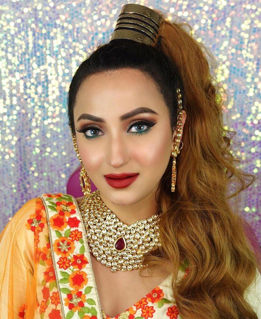 Aishwarya Kaushal with blue eyes and Blonde Hair
