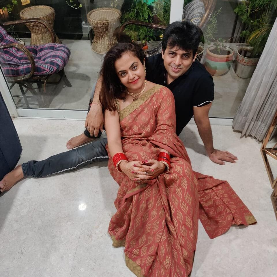Amit Tndon with his wife