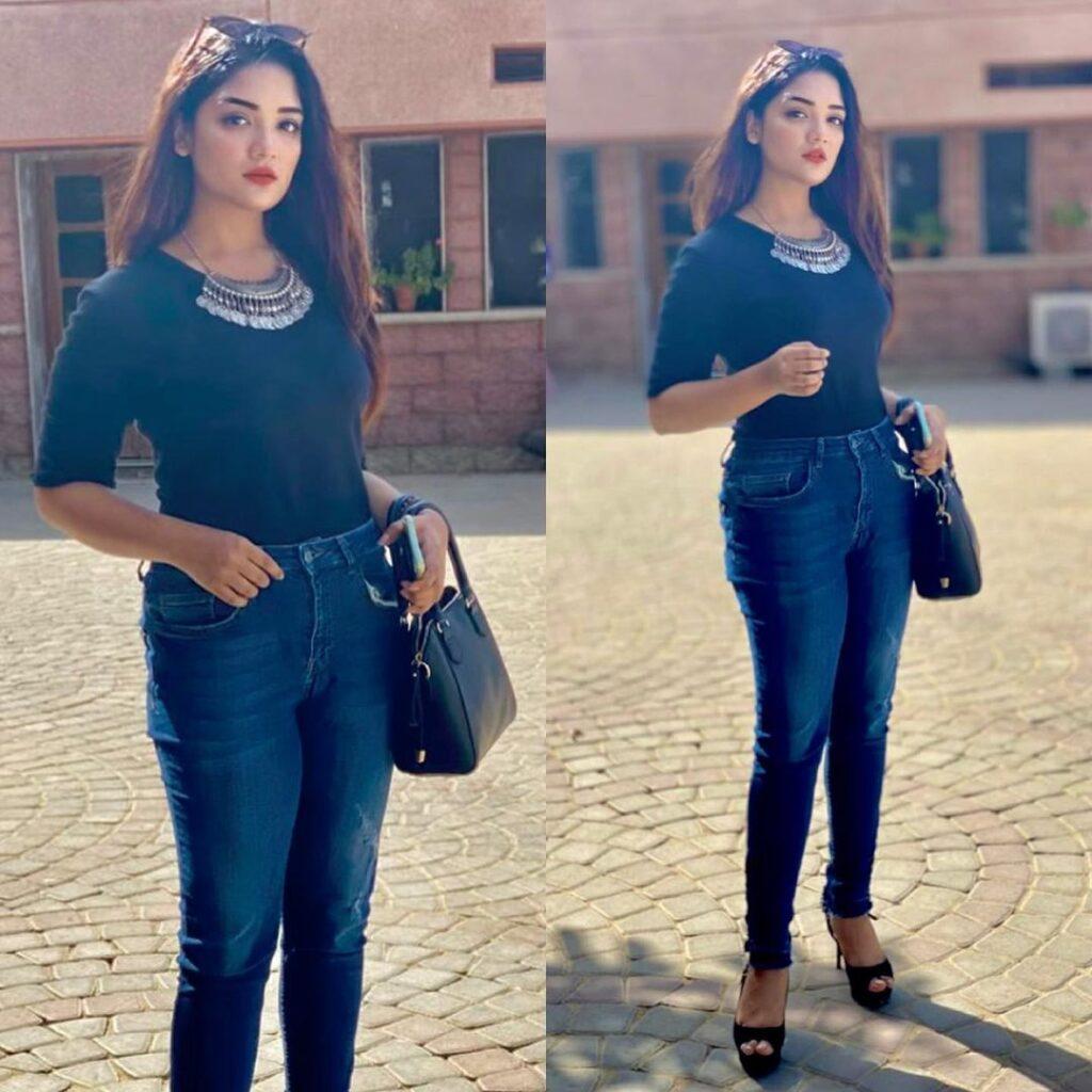 Romaisa Khan Body Measurement