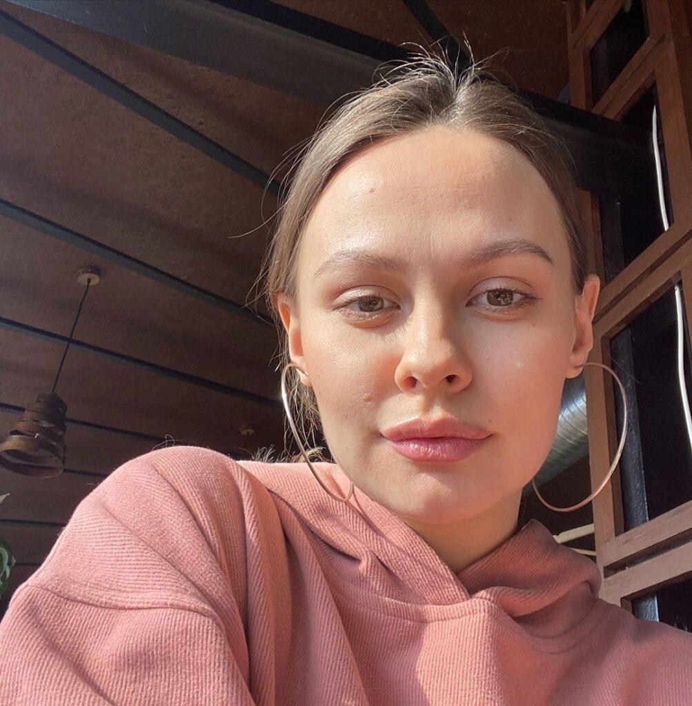 VIKTORIA NOVIKOVA